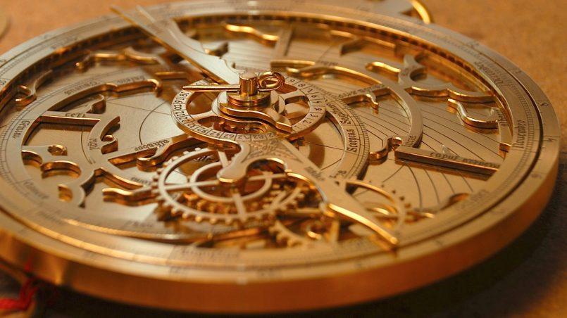 https://en.wikipedia.org/wiki/Astrolabe